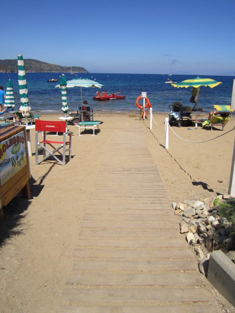 Uno degli accessi in spiaggia