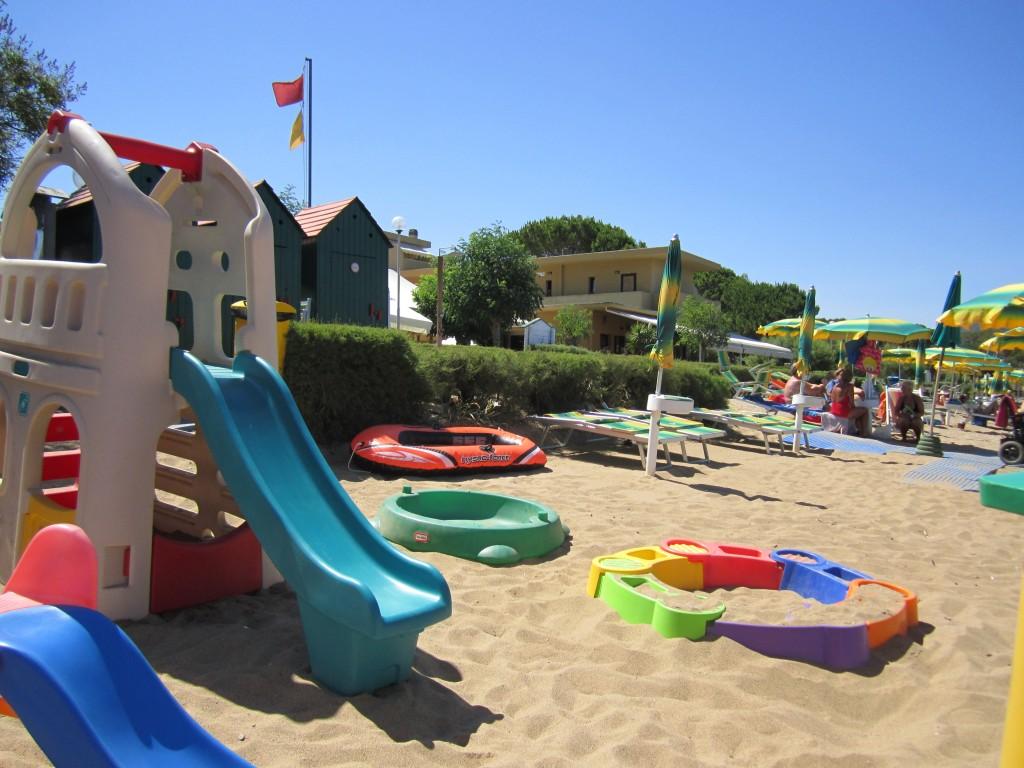 Giochi sulla spiaggia di Naregno