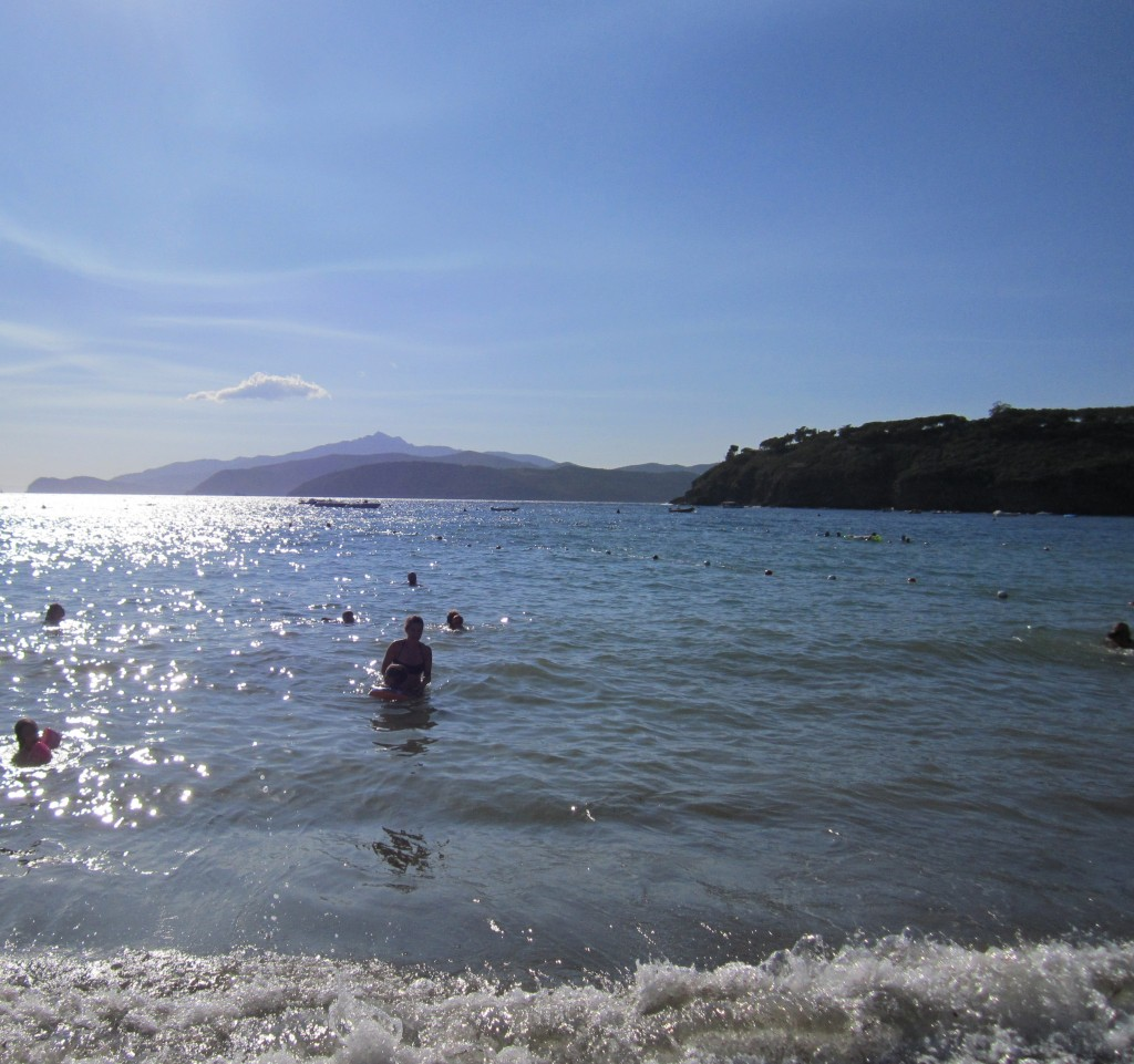 Orizzonte dalla spiaggia di Pareti