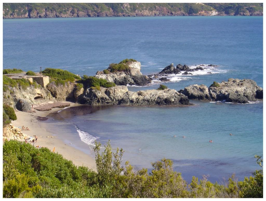 La spiaggia di Laconella adiacente a Lacona (foto C. Colnago)