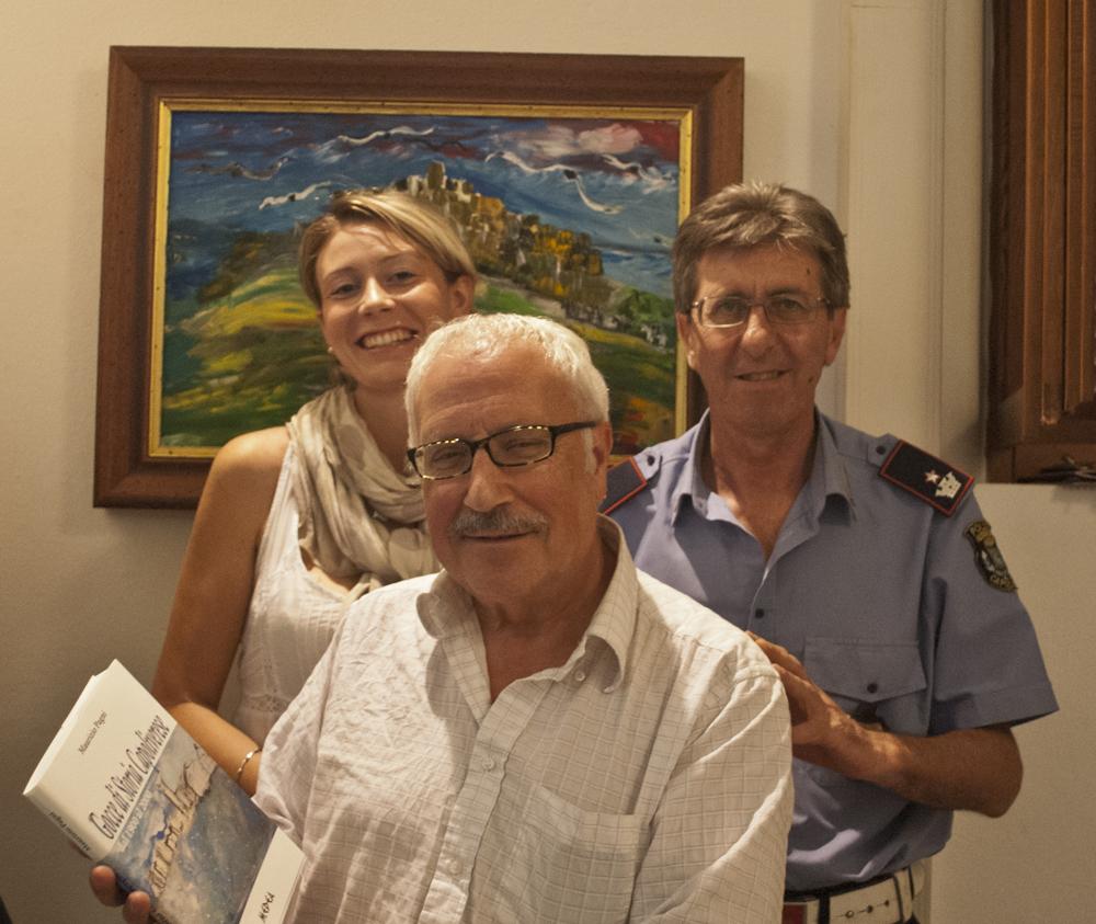 Maurizio Pagni con Francesca Paparella e Gianni Juculano della casa editrice Medea (foto C. Colnago).