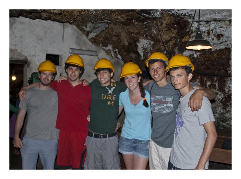 I ragazzi del Boston College in Miniera (foto C. Colnago)