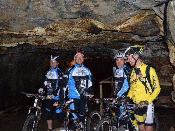 Itinerario in grotta (Foto di Capoliveri Bike Park)
