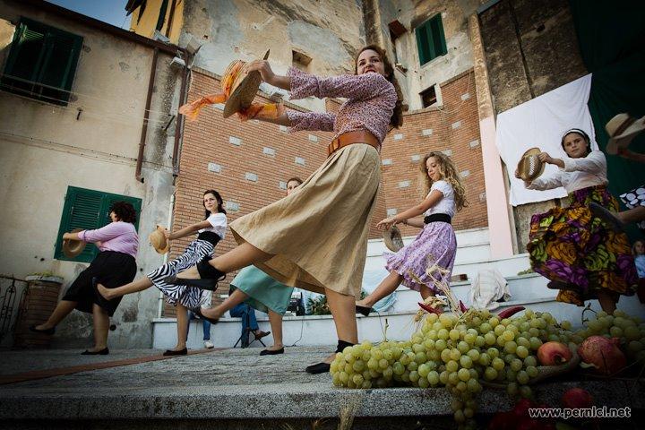 Piazza la Vantina durante Festa dell'Uva (Foto via sorelleinmovimento.blogspot.com)