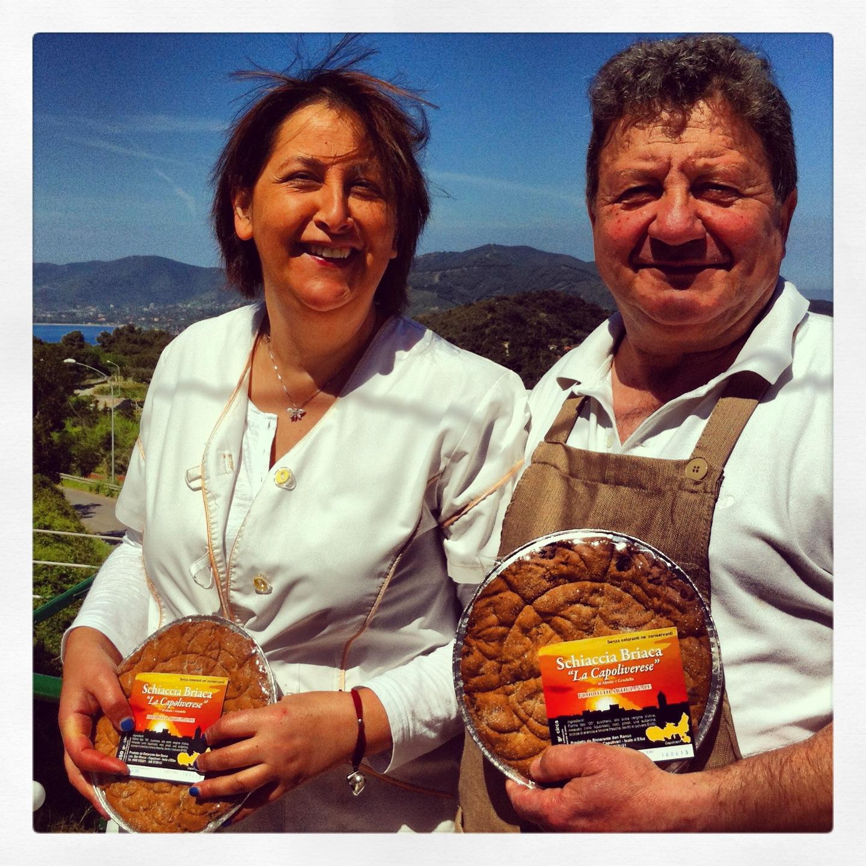 Graziella e Alessio con la loro creazione (Foto di C.Lanzoni)