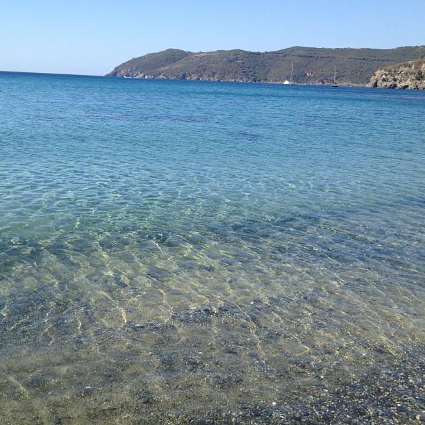 L'acqua trasparente di Norsi (Foto @ludomedea http://bit.ly/10cbEeu)