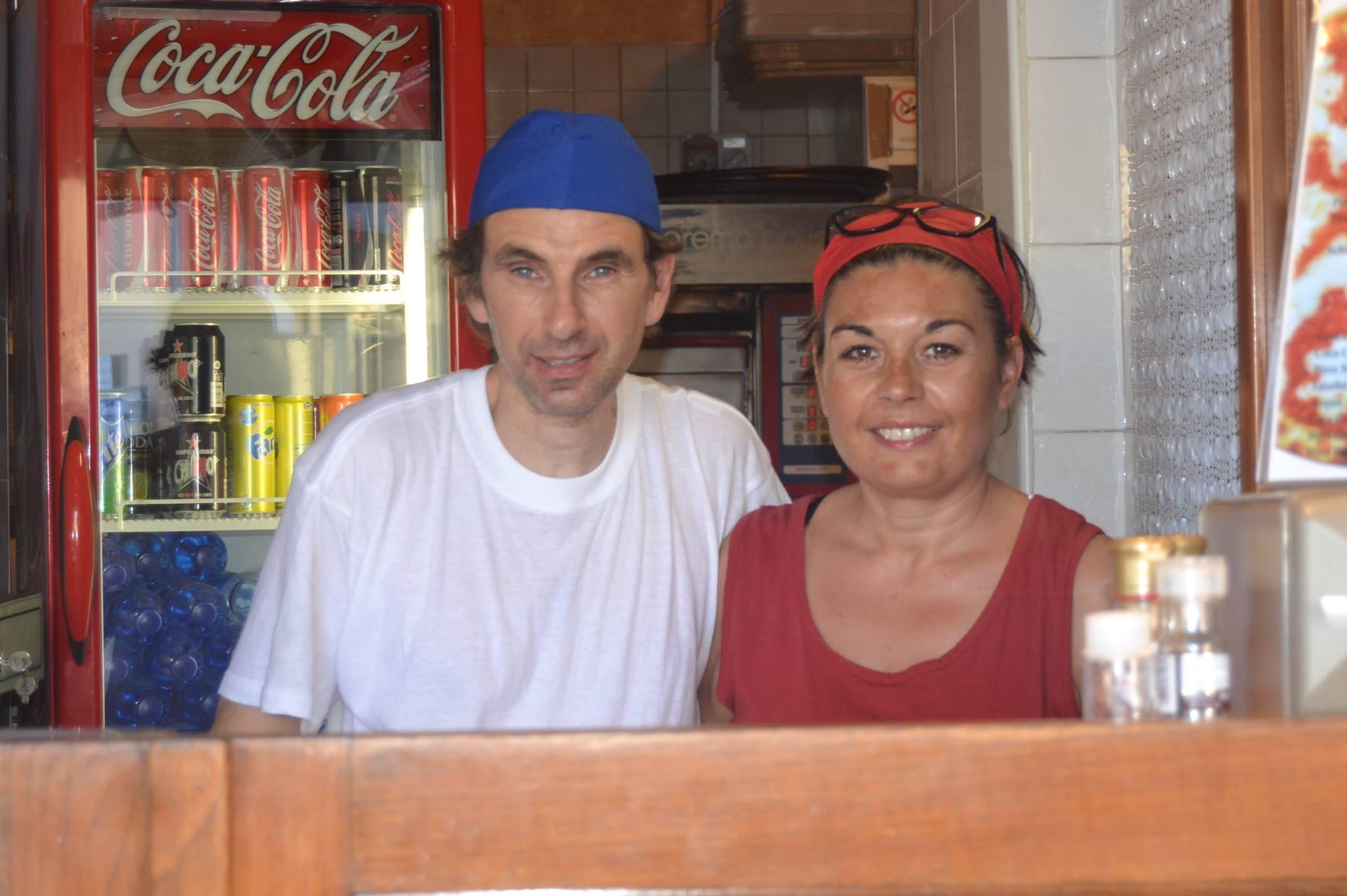 Andrea e Piera in pizzeria (Foto  A.Senatore)