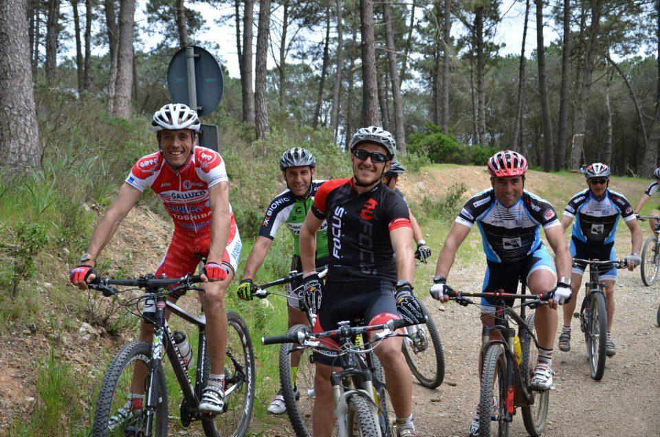 I ragazzo si allenano sul percorso (Foto www.capoliverilegend.cup)