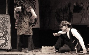 Attori in scena (Foto Compagnia teatrale Dis-occupati)