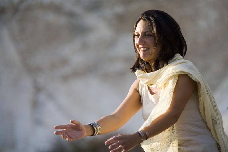 Daniela durante la rappresentazione su Cassandra (Foto Teatro Studio)